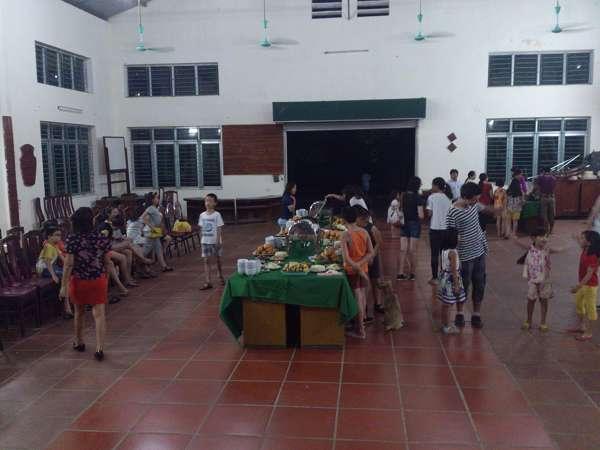Kết thúc đêm gala bằng chương trình chúc mừng sinh nhật cho học viên và thầy giáo và bữa tiệc nướng buffe đặc sản núi rừng.