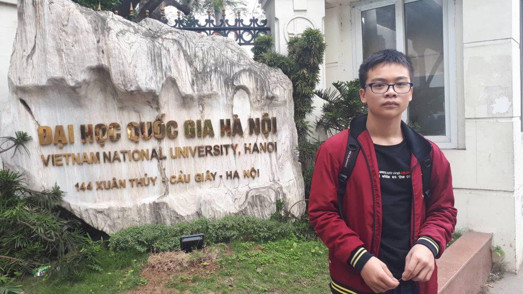 Nguyễn Hoàng Lân – cậu bé vàng – luôn khẳng định phong độ trong học tập !